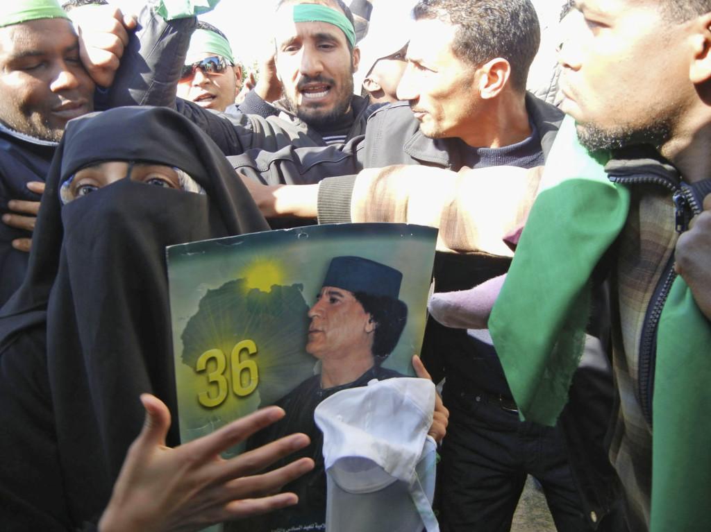 2011 Sostenitori di Gheddafi durante la rivolta