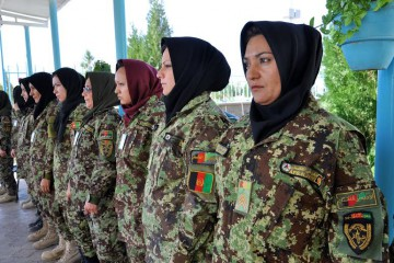 email barbieri - donne soldate afgane -