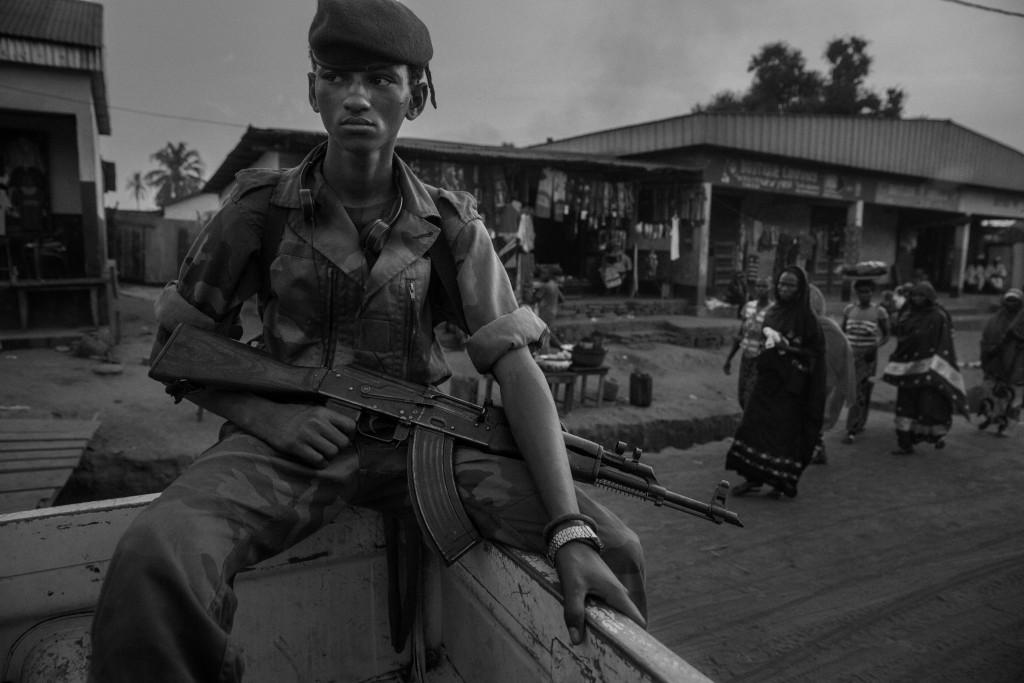 I Seleka, gruppo ribelle mussulmano formatosi nel 2012 dall'unione di diverse formazioni armate operanti nel nord-ovest della Repubblica Centroafricana, ha dato origine al conflitto deponendo l'allora presidente Fracois Bozize e perseguitando la popolazione cristiana.
