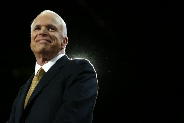 Republican presidential nominee Senator John McCain (R-AZ) arrives to accept the nomination  at the 2008 Republican National Convention in St. Paul, Minnesota September 4, 2008.   REUTERS/Shannon Stapleton     (UNITED STATES)   US PRESIDENTIAL ELECTION CAMPAIGN 2008 (USA)