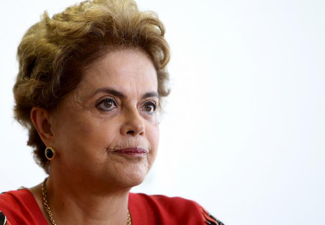 Brazil's President Dilma Rousseff works at her office in Brasilia, Brazil, March 29, 2016.  REUTERS/Adriano Machado