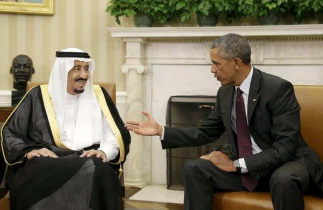 U.S. President Barack Obama (R) meets with Saudi King Salman bin Abdulaziz in the Oval Office of the White House in Washington September 4, 2015. REUTERS/Gary Cameron