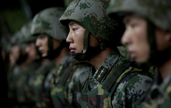 Soldiers_of_the_Chinese_People's_Liberation_Army_-_2011