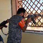 Tank, cecchini e kamikaze: la battaglia di Sirte continua