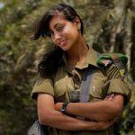 L'araba cristiana con l'uniforme