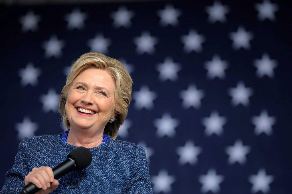 Hillary Clinton durante la campagna elettorale in Iowa