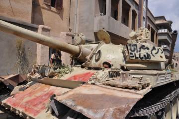 carri-armati-delle-forze-libiche-anti-isis-a-ridosso-della-prima-linea-dsc_0193