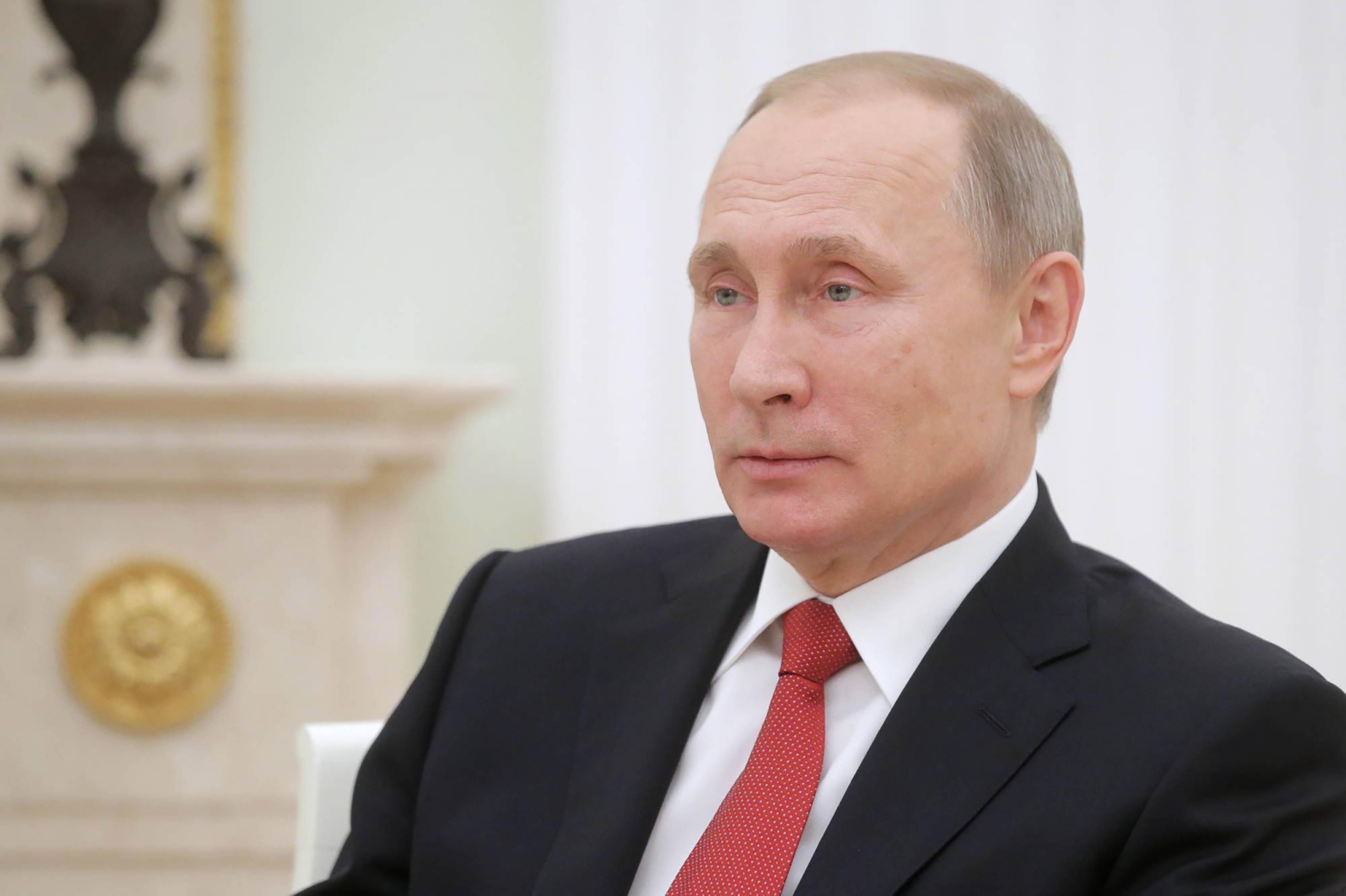 Risultati immagini per Trump, ….e gli scemi di guerra