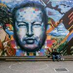 È guerra di ciak su Chavez