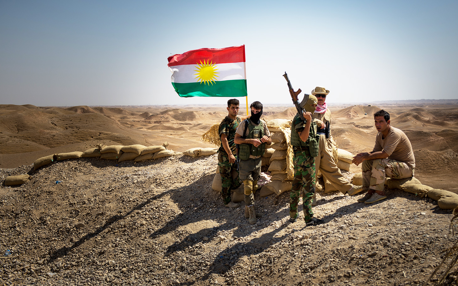 1443625355-kurdish-peshmerga-002