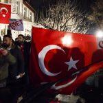 Anche in Europa è lotta per la Turchia
