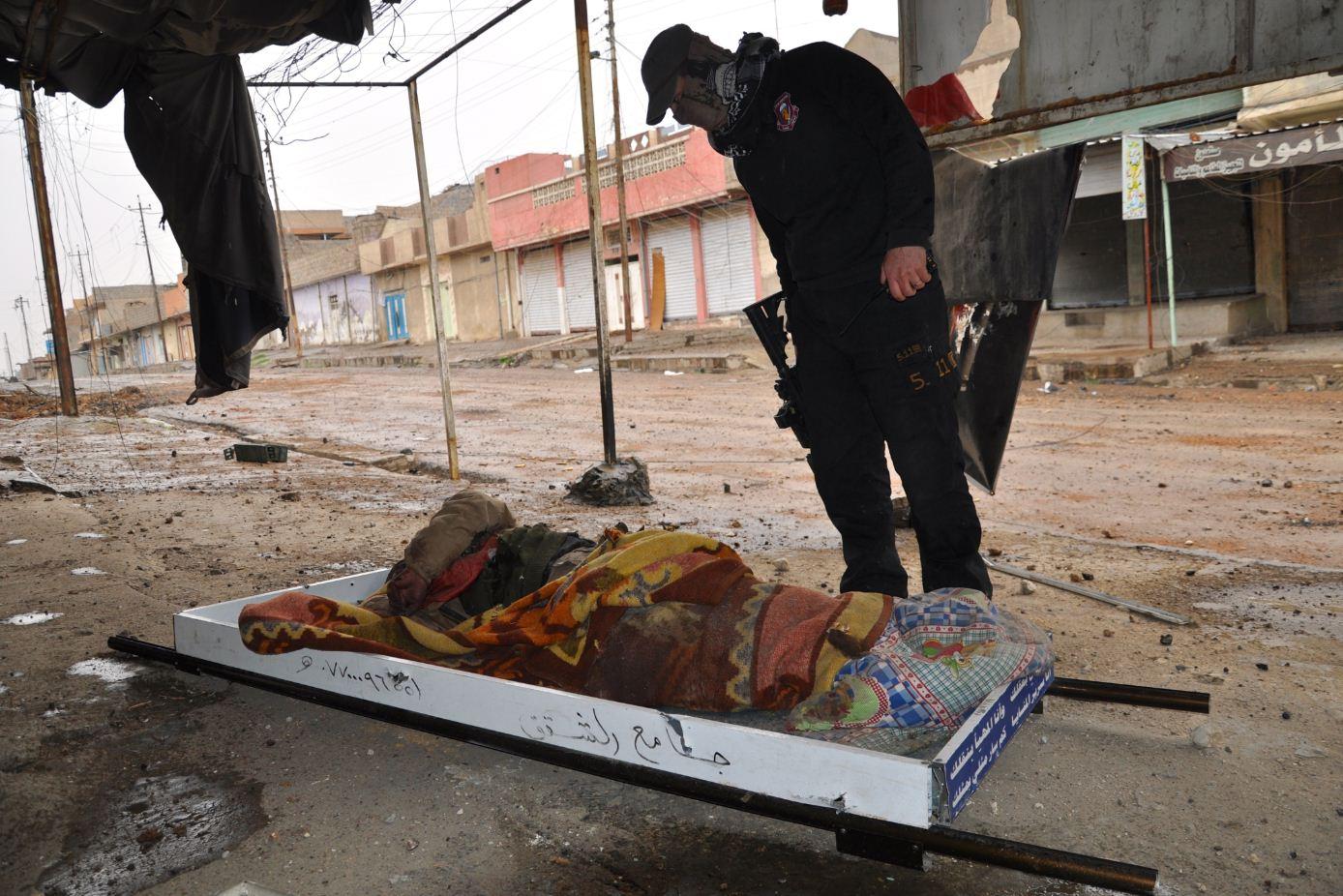 Jihadista arabo dello sttao islamico ucciso nei sobborghi di Mosul ovest DSC_0196
