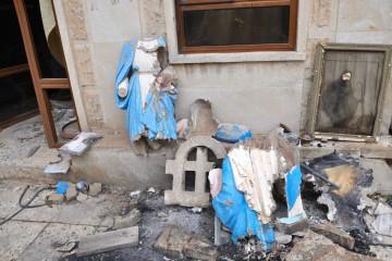 Statue della Madonna martoriate dall'Is a Bartella DSC_0240