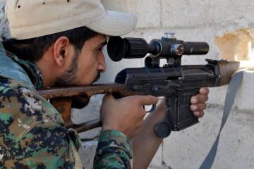 Franco tiratore curdo delle Forze democratiche siriane DSC_0108