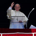 Papa Francesco apre alla Cina