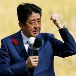 Gli elettori con Abe