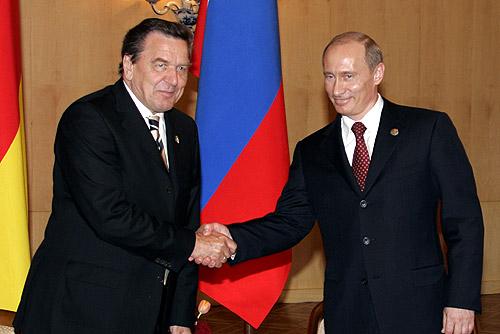 Vladimir_Putin_with_Gerhard_Schroeder-1