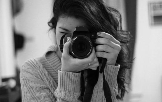 female-photographer-taking-photo (1)