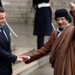 """""""Valigie piene di soldi per Sarkozy"""": <br> i veri motivi dietro la guerra in Libia"""