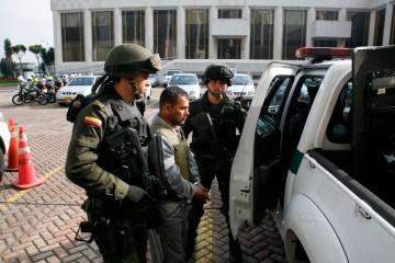 """FARC_acusaron_a_""""Javier_Piloso""""_de_robar_dinero_a_los_cabecillas_de_esa_organización_(8227179036)"""