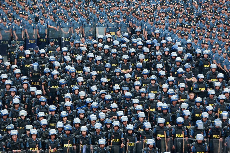 Cerimonia delle forze di polizia a Manila, nelle Filippine. ROUELLE UMALI/XINHUA VIA ZUMA WIRE
