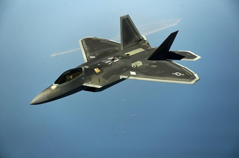 military-jet-1245261_960_720