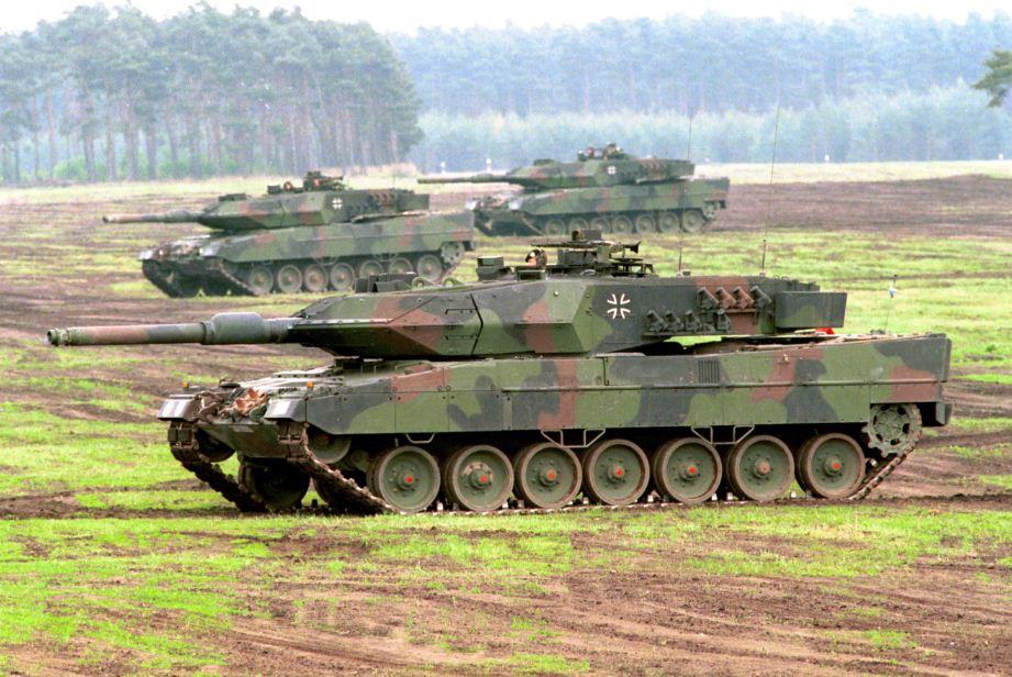 Foto carro armato leopard 8