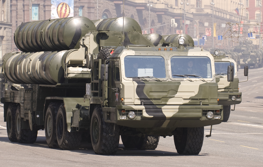 S-400_SAM_during_the_Victory_parade_2010
