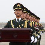 Seul restituisce a Pechino <br> le spoglie dei soldati caduti