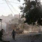 L'aviazione martella gli islamisti<br> che si danno alla fuga dal Ghouta