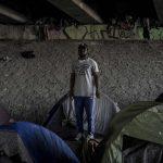 La legge francese sull'immigrazione <br> che consente la detenzione dei minori