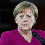 Lo sgambetto di Trump alla Merkel <br> Starà con lei solamente 150 minuti