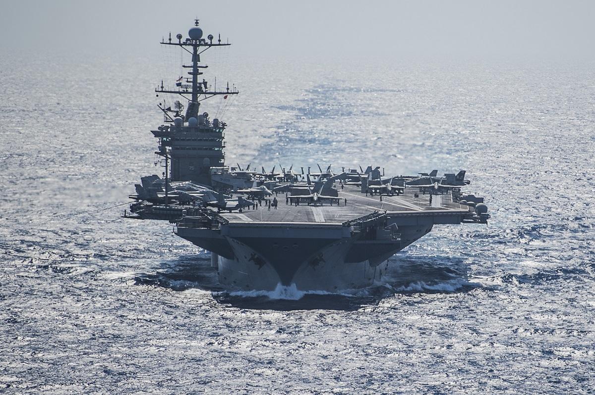 La portaerei della marina degli Stati Uniti Uss Truman naviga nel Mediterraneo orientale