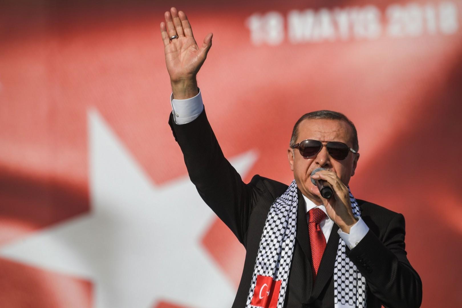 Il presidente turco Erdogan ha tenuto un comizio nella città turca per avviare la campagna elettorale in vista delle elezioni anticipate