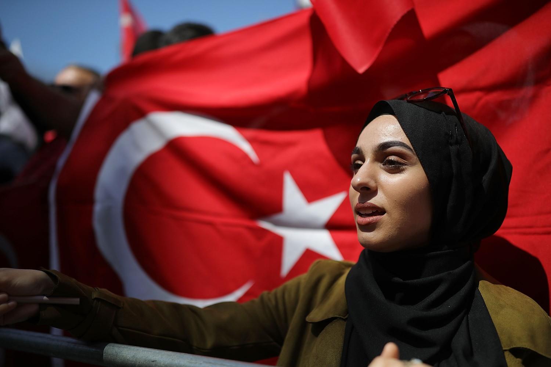 Una sostenitrice del presidente turco Recep Tayyip Erdogan (Getty)