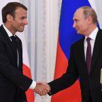 Putin incontra Macron:<br> focus su Iran, Siria ed economia