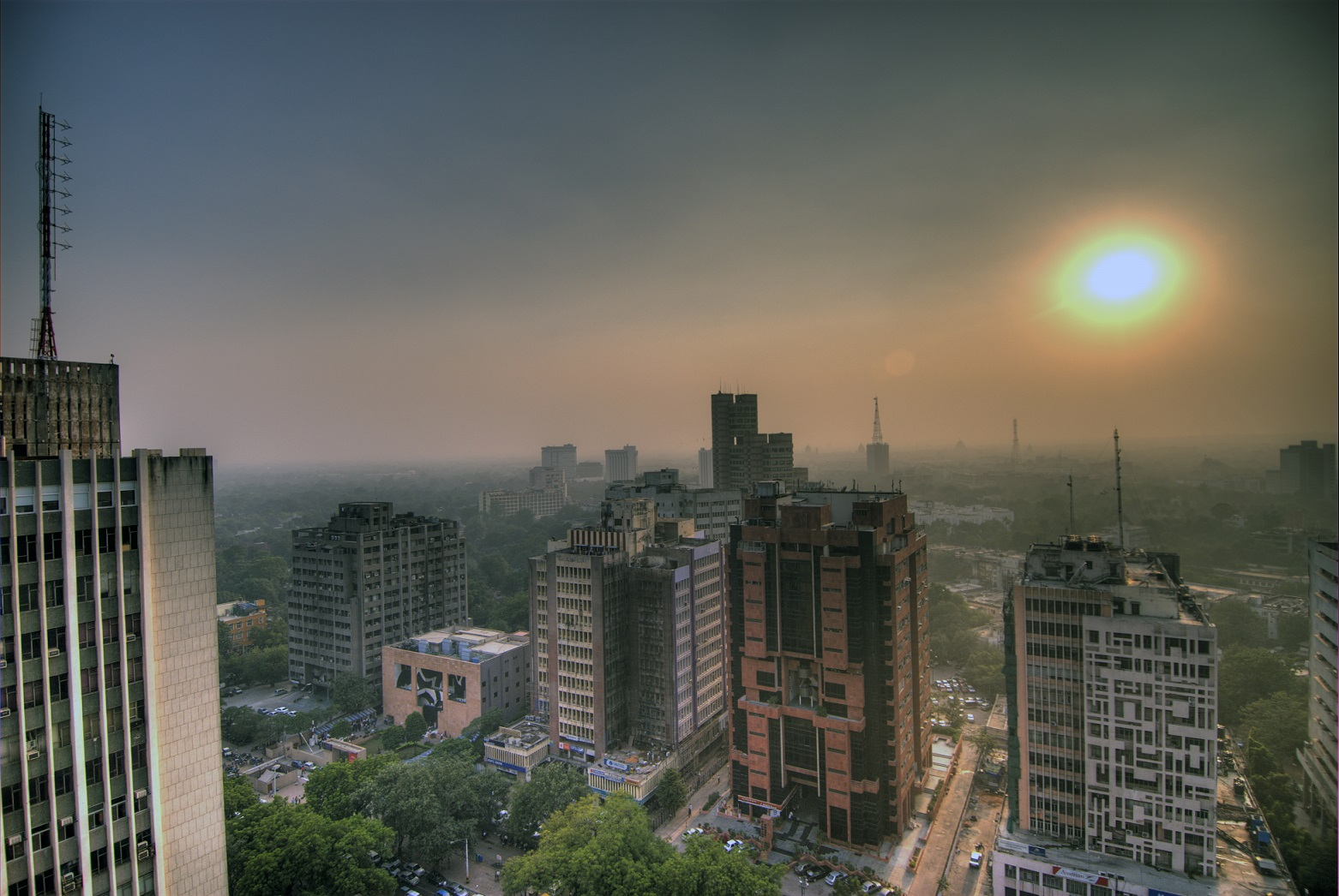 Smog_in_the_skies_of_Delhi,_India