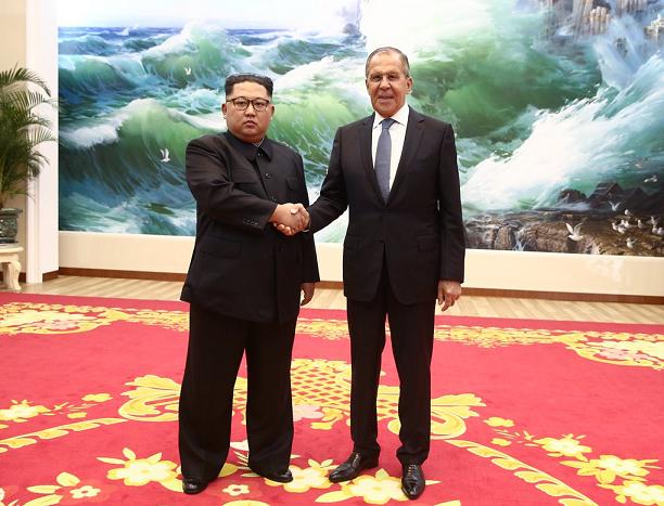 Sergej Lavrov incontra Kim Jong-un a Pyongyang (Twitter)