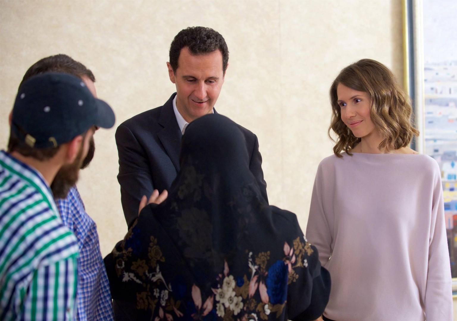 Asma al Assad assieme al marito Bashar al Assad (LaPresse)
