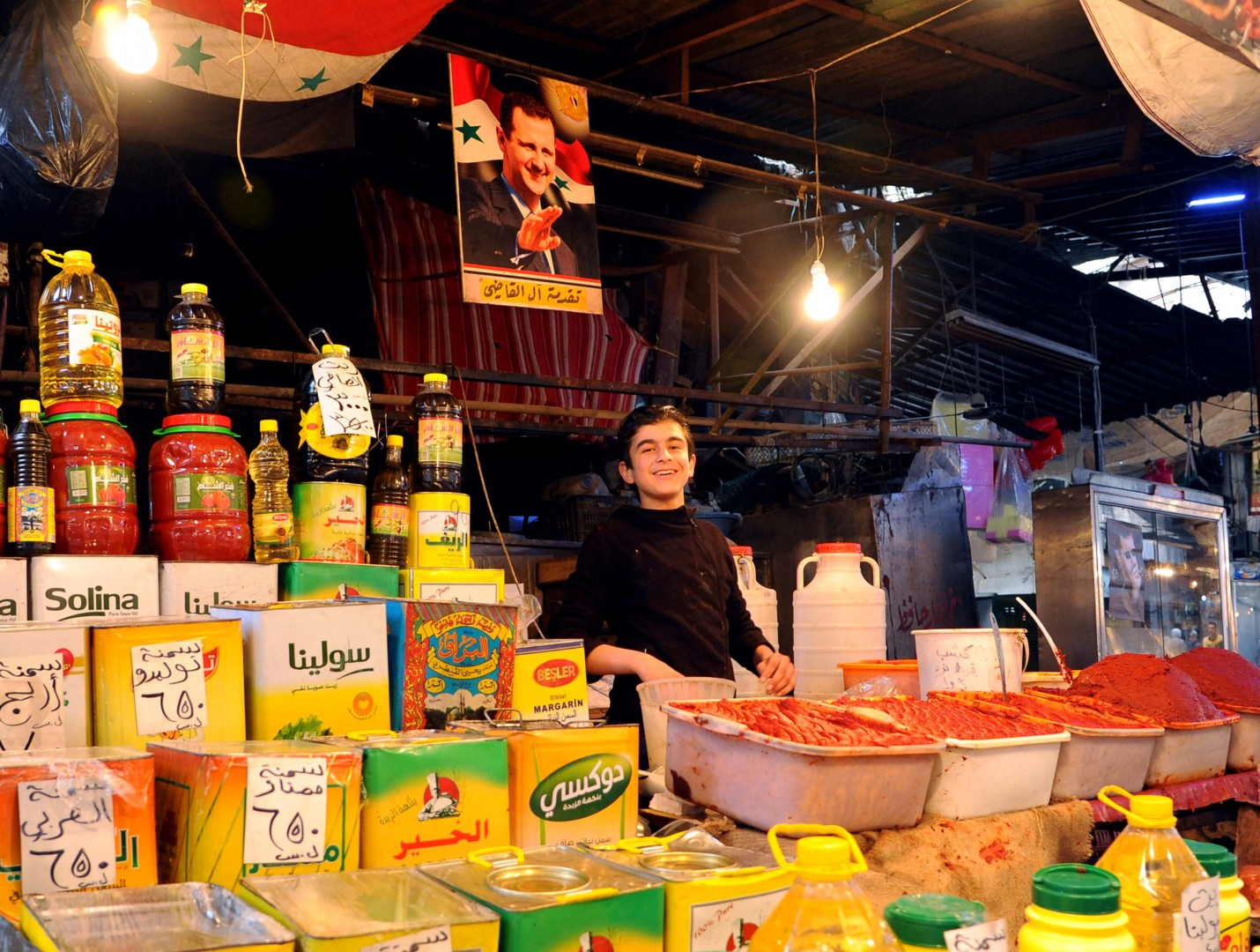 (160227) -- DAMASCUS, Feb. 27, 2016 (Xinhua) -- A Syrian vendor arranges his goods at their shop in Bab Srijeh marketplace in Damascus, capital of Syria, on Feb. 27, 2016. The capital has seen a relatively calm day on Saturday, as a Russian-US sponsored truce went into effect at midnight Friday. (Xinhua/Ammar)