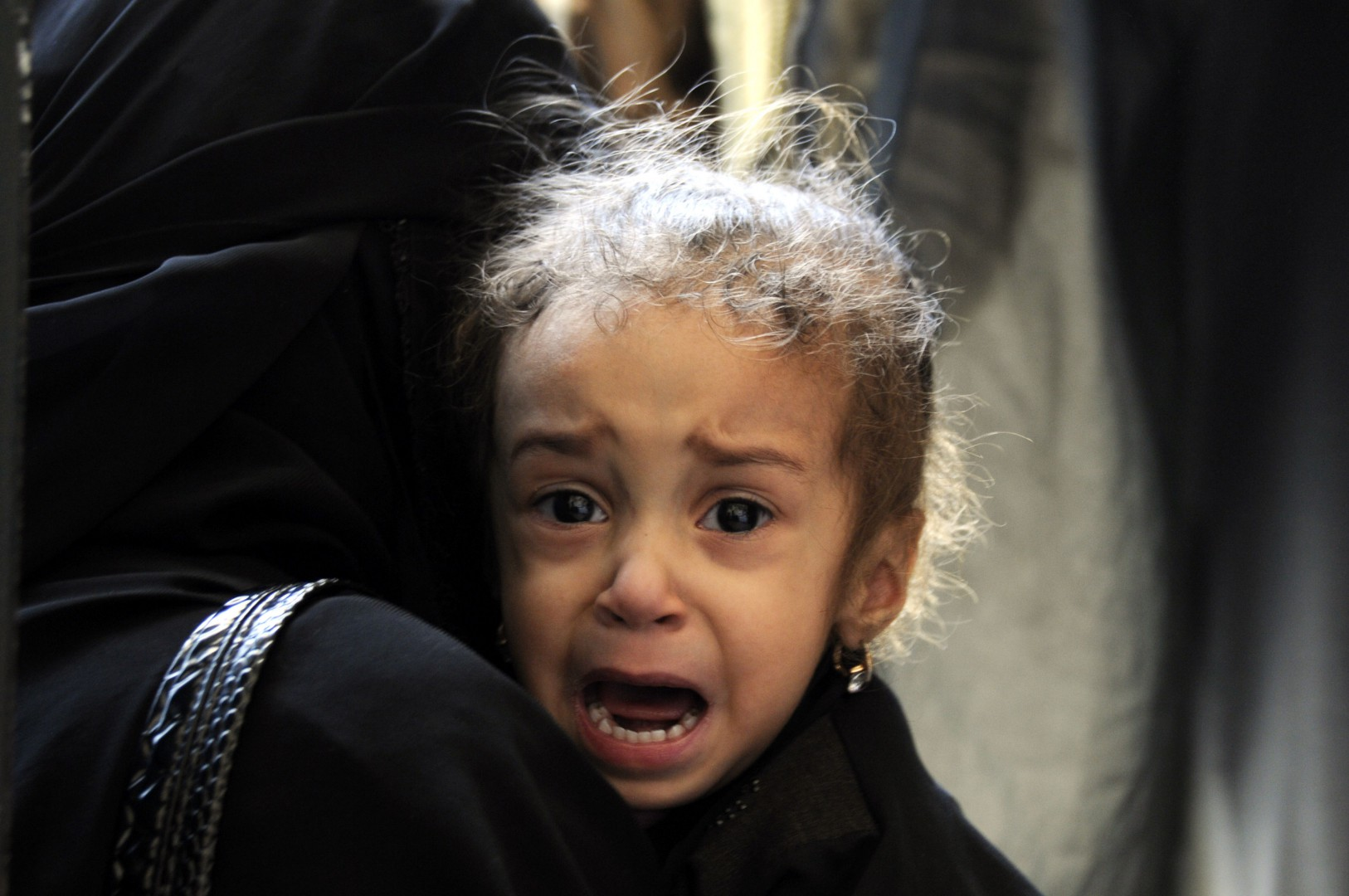 Una bambina in Yemen (LaPresse)