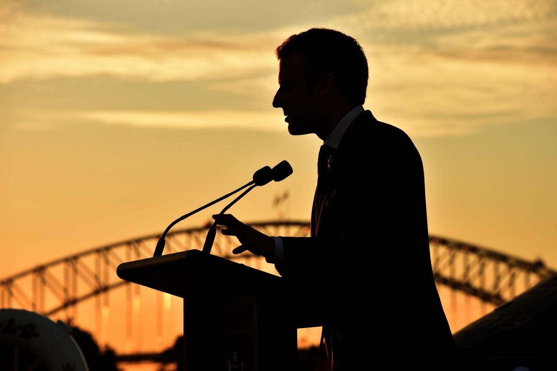Il presidente francese Macron parla in conferenza stampa