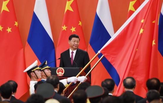 Il presidente della Cina Xi Jinping incontra Putin (Getty)
