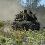 La Nato si esercita nei Paesi baltici:<br> 20mila soldati alle porte di Mosca