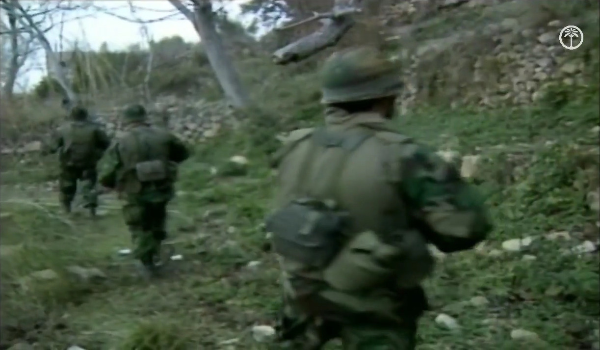 Hezbollah_fighters_on_march