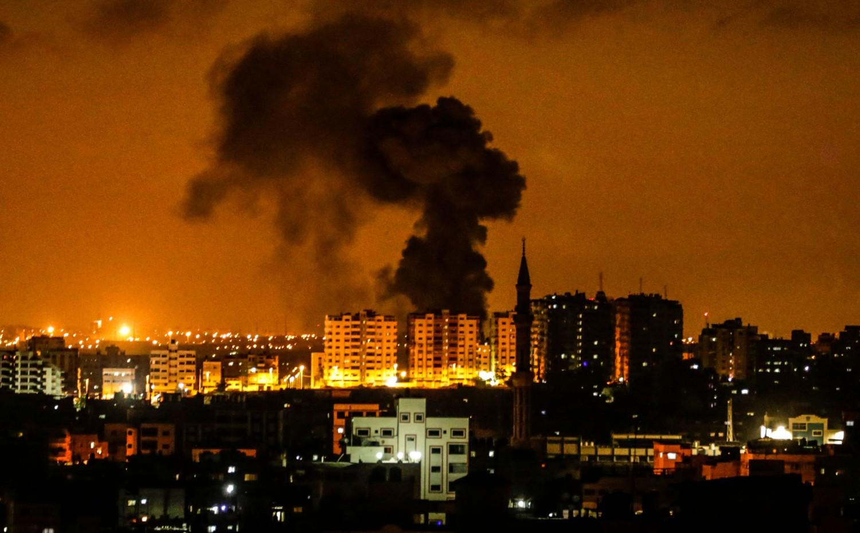 Israele bombarda Gaza