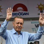 Erdogan vuole un plebiscito<br> ma è un leader sulla via del tramonto
