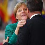Migranti, ecco come la Merkel<br> ha aggirato l'Europa e l'Italia