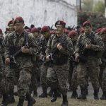 I dollari degli Stati Uniti d'America<br> dietro i paramilitari di El Salvador