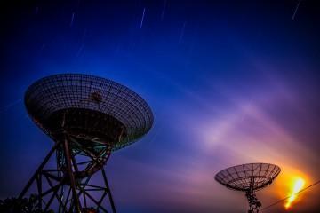 Radar che puntano cielo in Cina (Pixabay)